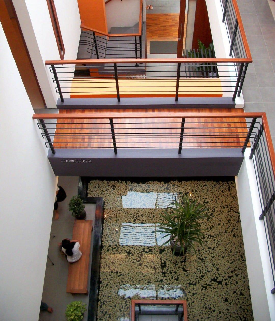 Farila Guest House oleh AIGI Architect + Associates
